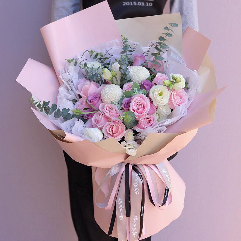 19枝粉紫玫瑰混搭韩式花束
