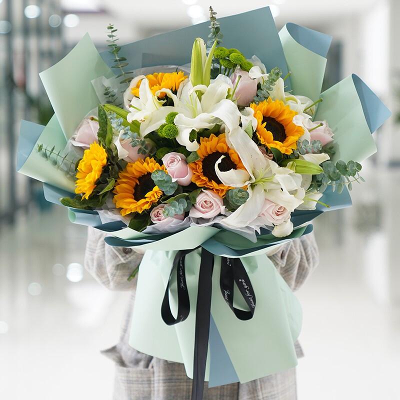 玫瑰百合向日葵混搭花束