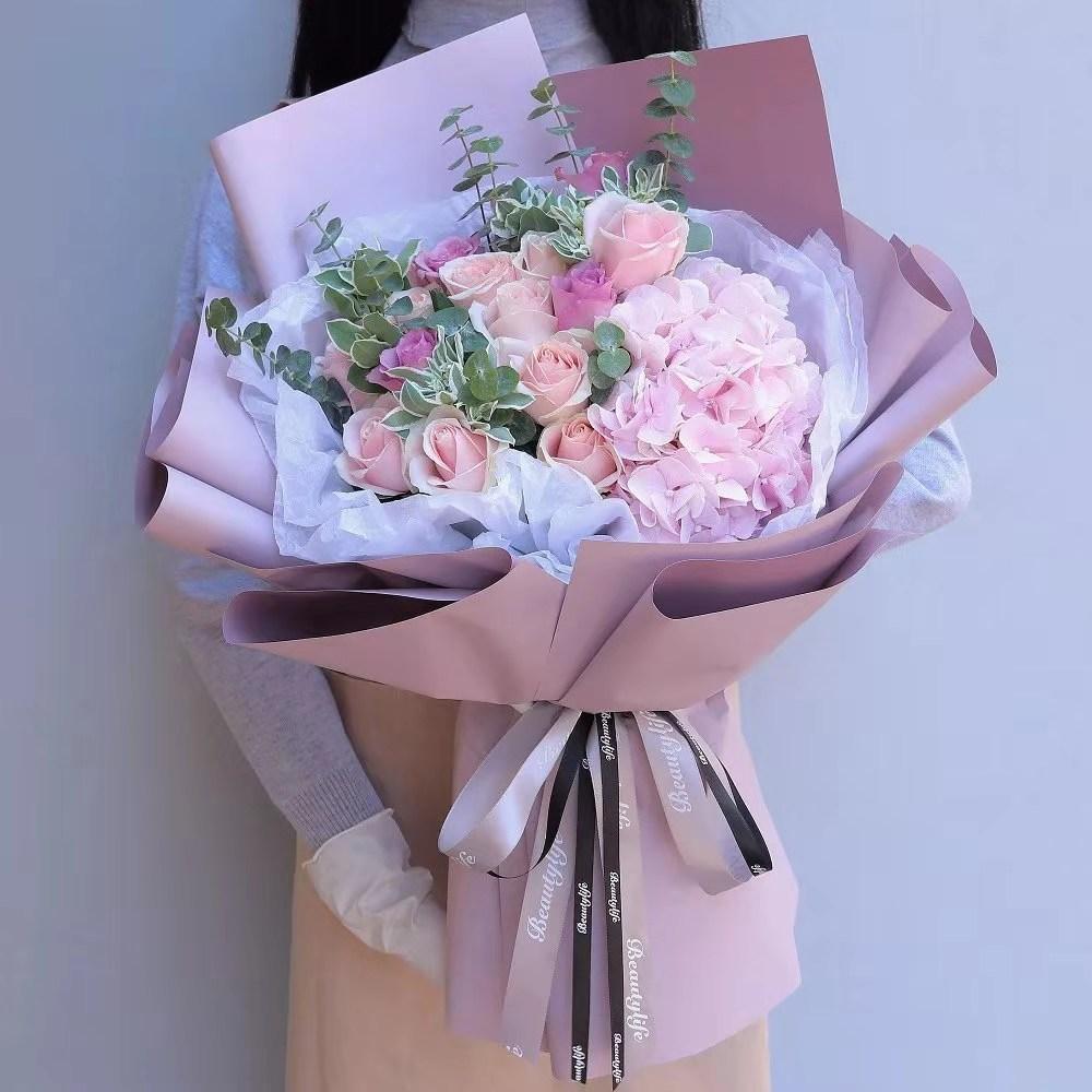 13枝粉紫玫瑰混搭花束