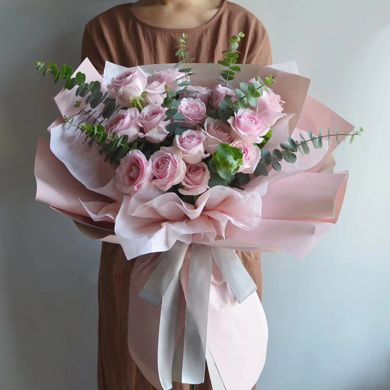 19枝粉玫瑰精美花束